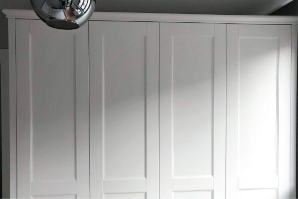 Beyaz dolap kapağı