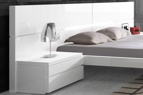 Mist beyaz komodinli yatak